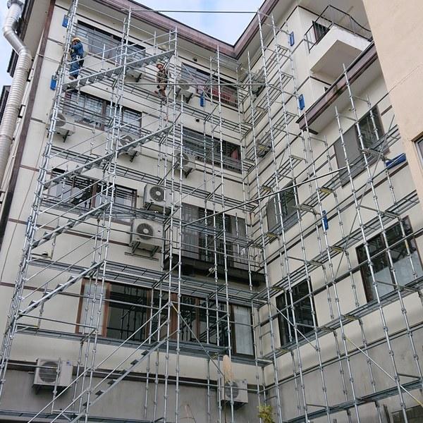 ホテルの仮設足場設置工事